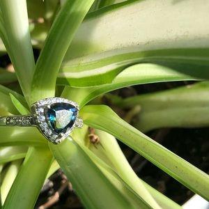 Jewelry - Sterling silver ocean topaz ring
